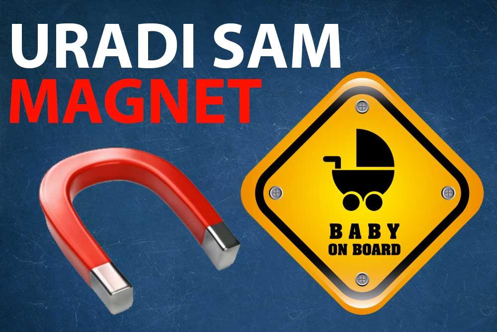magnet beba u autu